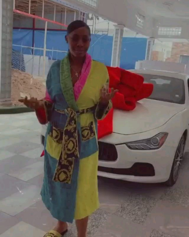 Ghanaian professional footballer, Afriyie Acquah's ex-wife, Amanda, receives two posh cars: a Lexus and Maserati from her lover as she shows them off in her mansion.