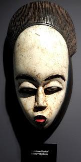 beyaz insan maski