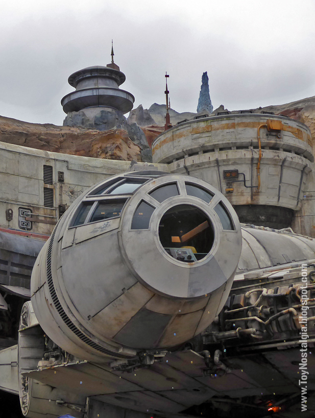 "La cabina del ""Millenium Falcon""  en Black Spire Outpost, en Batuu  STAR WARS: Galaxy's Edge  - Walt Disney World"