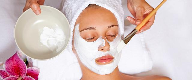 Perawatan Kecantikan Kulit Dengan Masker Alami