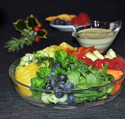 Fruchtiger Salat mit Dressing
