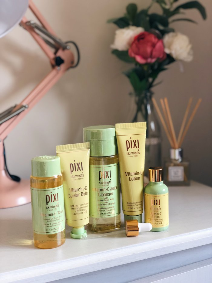 A first look at Pixi's latest release the Vitamin C Collection. This range contains a cleanser, a toner, a moisturiser, a serum and a leave on mask. These products were designed with skin brightening in mind.