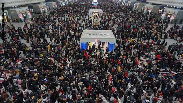 """احتفال """"تشونيون"""" بالصين يشهد بداية أكبر هجرة بشرية على وجه الأرض"""
