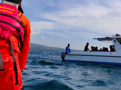 Basarnas Mataram Evakuasi Satu Keluarga di Gili Kondo