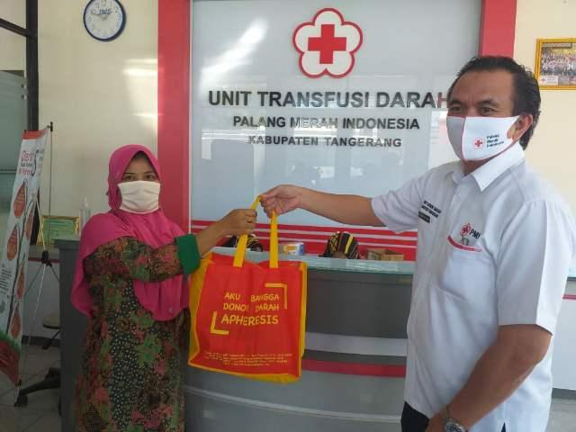 Alhamdulillah...!! Donor Darah di PMI Kabupaten Tangerang Dapet Sembako >> https://www.onlinepantura.com/2020/05/alhamdulillah-donor-darah-di-pmi.html