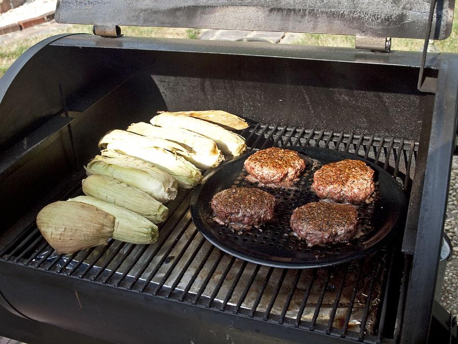 Pellet Smoker Cooking: Cheeseburgers & Corn on the Cob