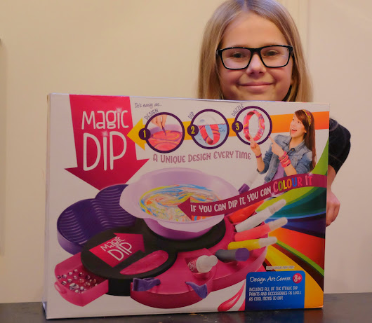 Magic Dip - A Marbling Craft Kit Perfect for a Christmas Gift