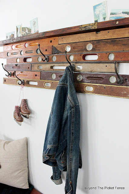 Old Wood Level Entryway Coat Hook and Shelf