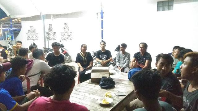 Calon Kuwu Darini, Siap Hidupkan Lagi Turnamen Sepakbola Di Desa Kertanegara