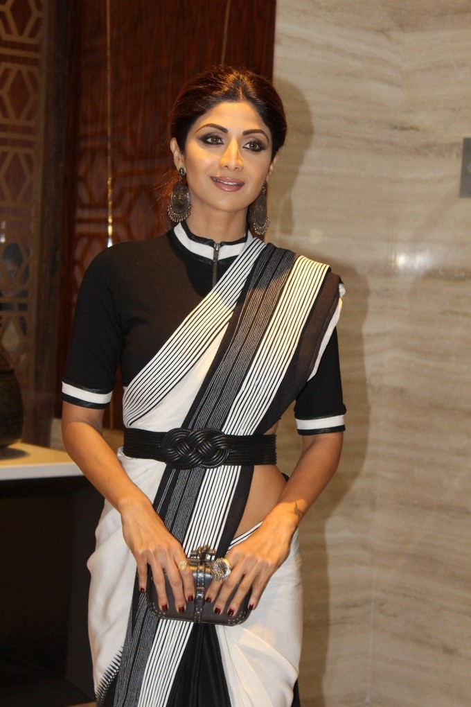 Indian Actress Shilpa Shetty Stills In Black Saree
