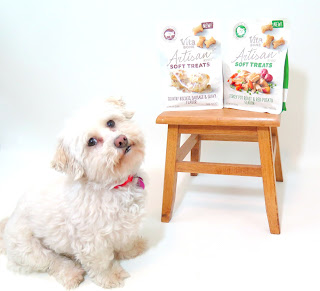 Vita Bone Artisan Inspired dog treats are made with wholesome grains, real fruits & vegetables, and real meats.  They contain NO artificial flavors, corn or soy