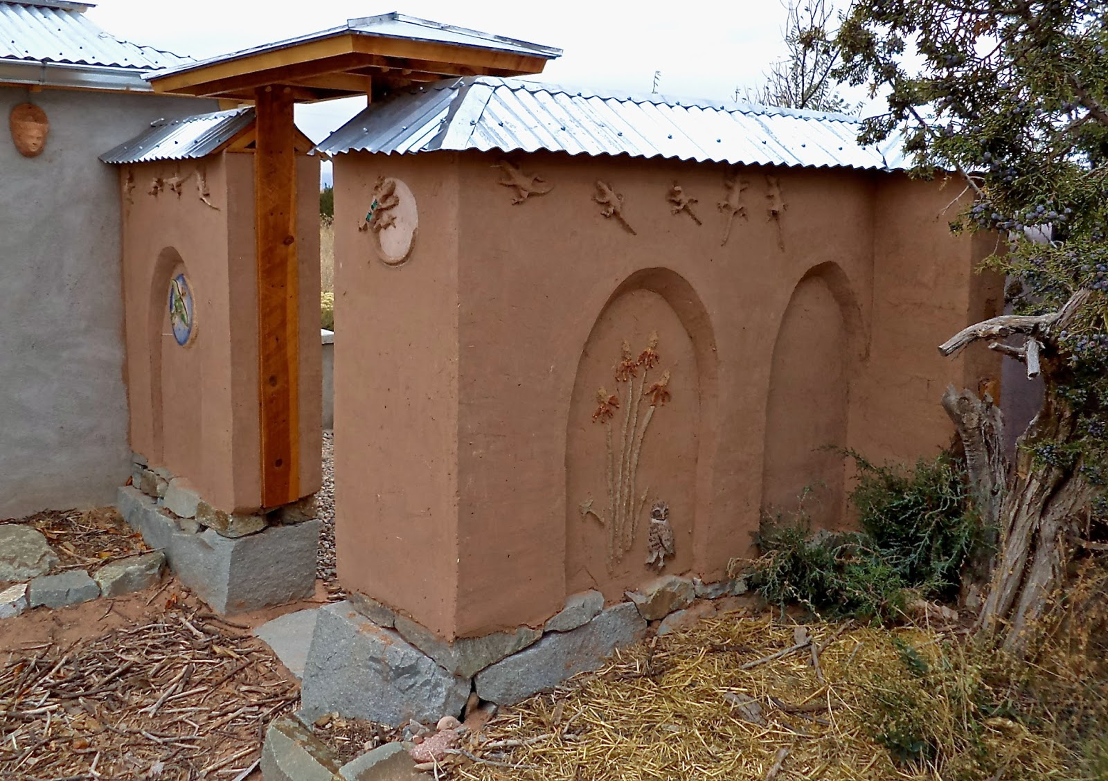 Alt build blog building an adobe wall 1 stone foundation - How to build an adobe house ...