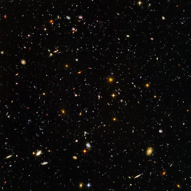 مجرات-الفضاء-ملتقطة-بتلسكوب-هابل