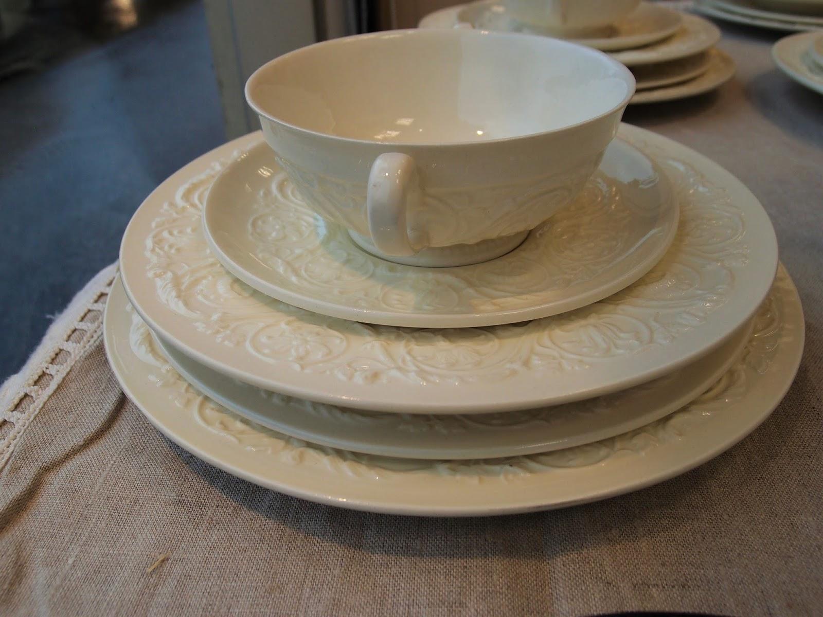 Servizi da tavola antichi porcellane inglesi antiche - Piatti da portata particolari ...