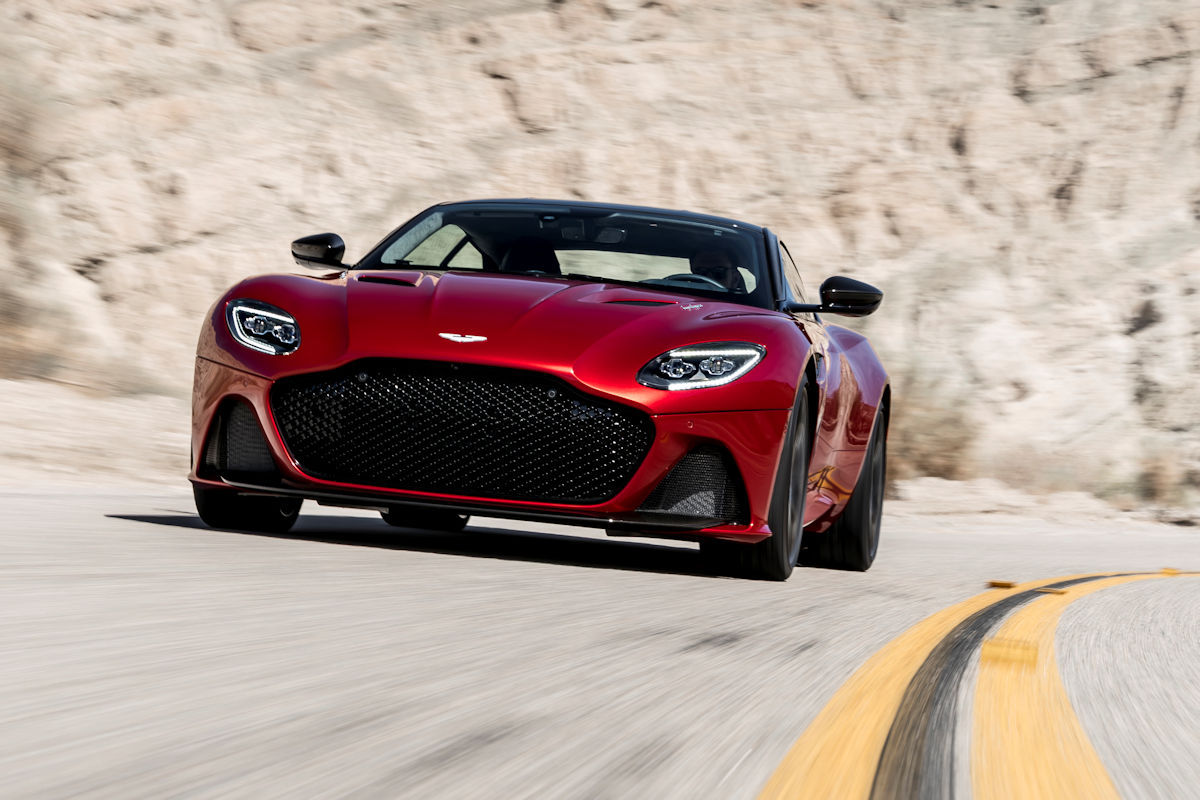 The 2019 Aston Martin Dbs Superleggera Is Going To Give The Ferrari