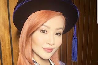 Soo Wincci Akhirnya Bergelar Doktor