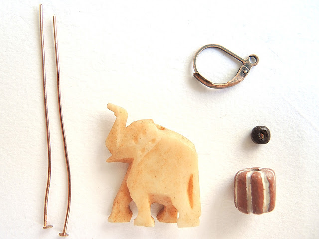 free tutorial for making safari earrings with an elephant - gratis tutorial om zelf oorbellen te maken let een olifantje
