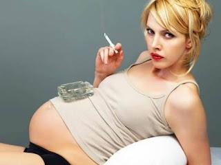 Ibu hamil meroko, kenapa tidak boleh ?