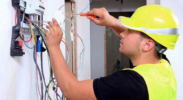 Recrutamento de (3) Três Eletricistas