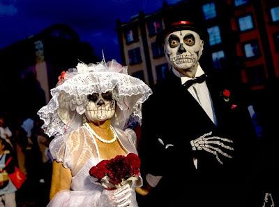 يوم الموتي : حينما يحتفل المكسيكيون بالموت !