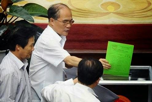 Khối tài sản khổng lồ của các tập đoàn sân sau Chủ tịch Quốc hội Nguyễn Sinh Hùng