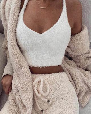 Outfit de invierno con bralette