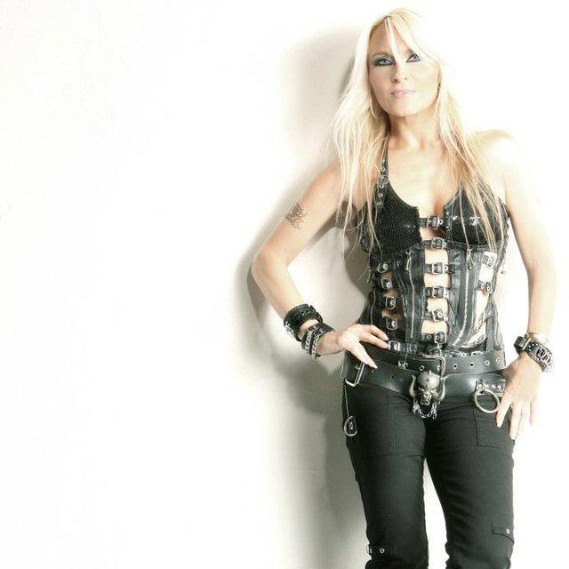 Η τραγουδίστρια Doro Pesch