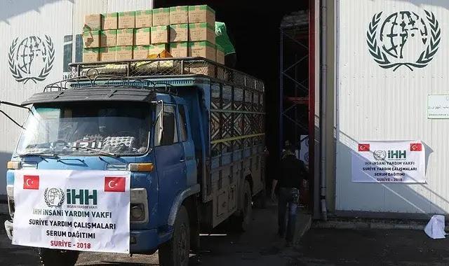 الإغاثة التركية تستعد لإرسال مئات الشاحنات المحملة بالمساعدة إلى سوريا