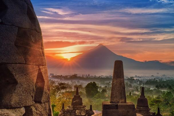 Spot Wisata Sunrise Terbaik Di Magelang - Sunrise di Candi Borobudur Magelang
