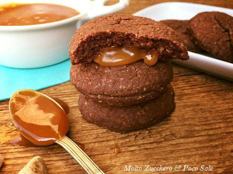 Biscotti Da Credenza Alice : Biscotti ai cereali e mandorla con caramello salato