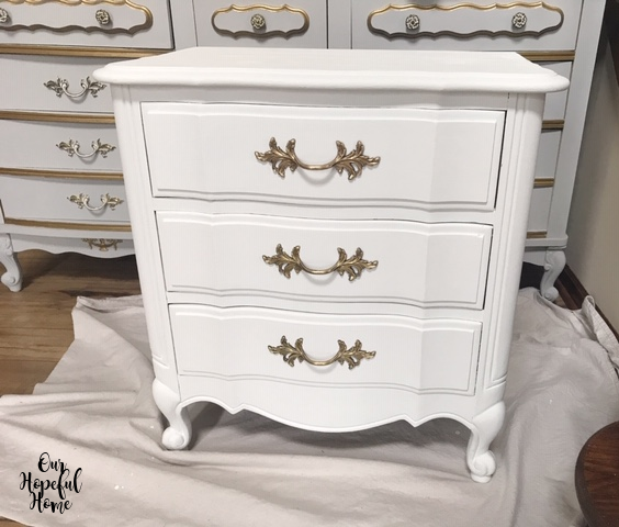 Thomasville French provincial Louis XV Style vintage nightstand