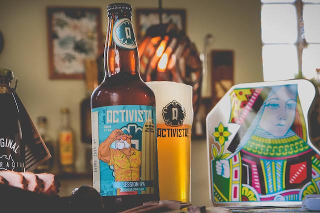 Cerveja session ipa em cenário encantador