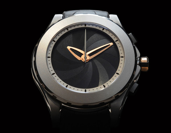 VALBRAY - The V.01 Titanium red gold
