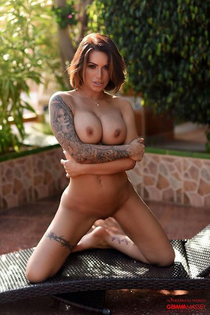 Gemma Massey standing on knees complete naked