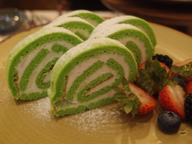durian swiss roll