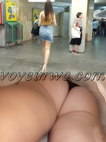 Upskirts N 2793-2812 (Real upskirt videos in the subway with hot girls)
