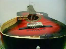 Musisi Jondol Cara Memperbaiki Gitar Aqustik Pecah
