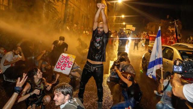 Protestan contra Netanyahu por manejo de pandemia de la COVID-19