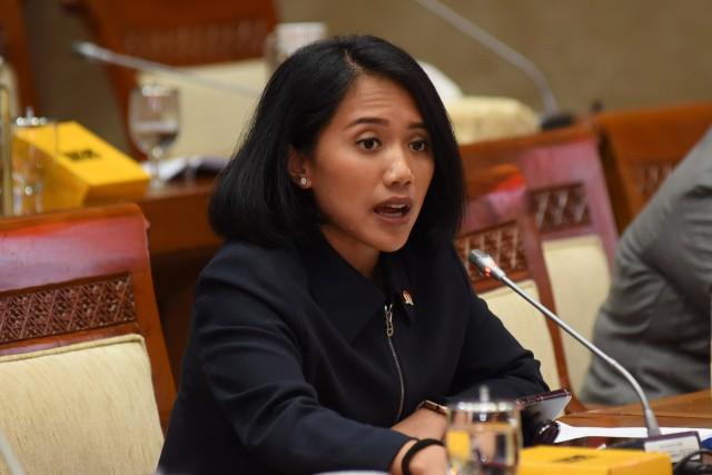 Putri Anetta Komarudin  Imbau Pemerintah Tingkatkan Efektivitas Pengelolaan Utang Negara