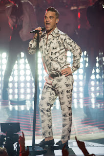 Robbie Williams returns to the stage for first time