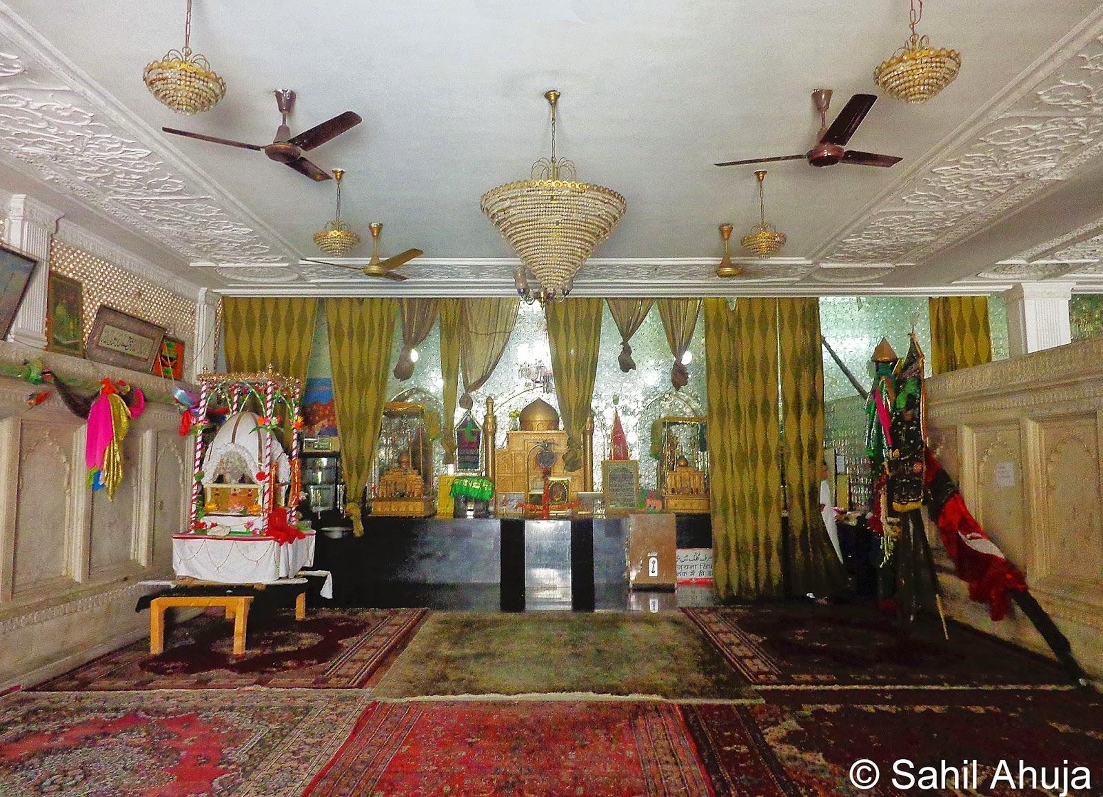 Pixelated Memories: Dargah Shah-e-Mardan Complex, Delhi