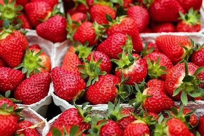 khasiat strawberry stroberi mengatur tekanan darah