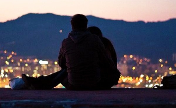 अपनी ही बहन को दे बैठा दिल, बीवी को घर से निकाल मांगा तलाक, पढ़ें अनोखी प्रेम कहानी