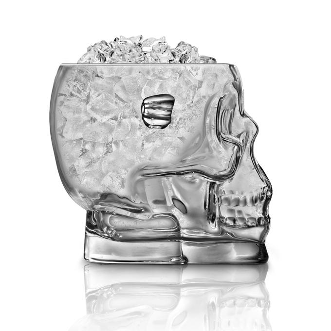 Vaso de cristal en forma de calavera