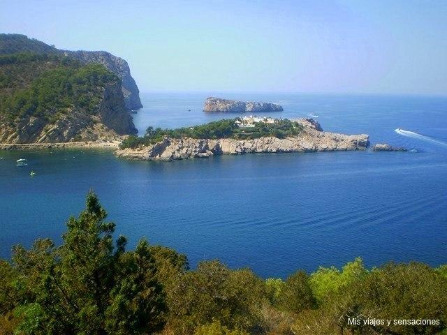 Es Pas de s'illa des Bosc, Bahía de Sant Miguel, Ibiza