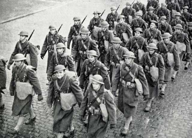 The first US soldiers arriving in Europe, 26 January 1942 worldwartwo.filminspector.com