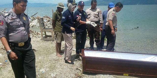 Nelayan Temukan Peti Misterius di Danau Singkarak