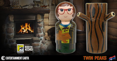 San Diego Comic-Con 2017 Exclusive Twin Peaks Log Lady Pin Mate Wooden Figure Set by Bif Bang Pow! x Entertainment Earth