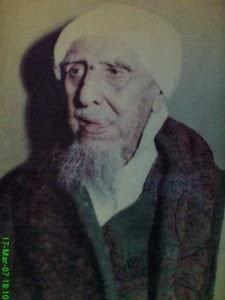 Suweiry dengan beberapa teman beliau atas perintah Al Al Habib Zain bin Abdullah Al Aidrus (1289 - 1399 H)