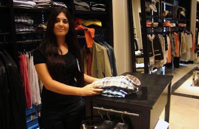 Se Solicita empleada para atención al Cliente comercio de ropa, Salta Capital: